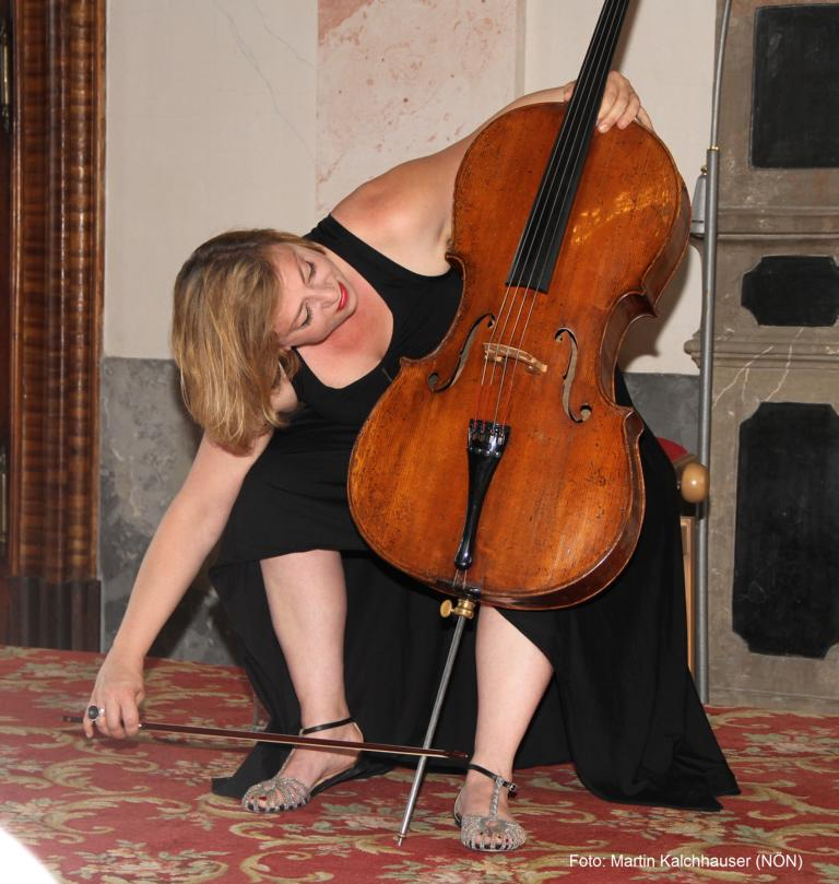 Catch-Pop String-Strong: Rina Kaçinari (Violoncello). Foto: Martin Kalchhauser